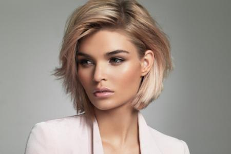 Модные женские стрижки 2021 на средние волосы