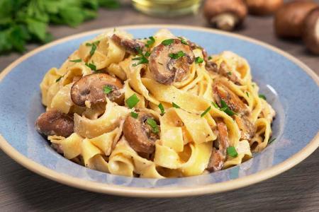 Паста с грибами: 12 вкусных рецептов (пошагово)