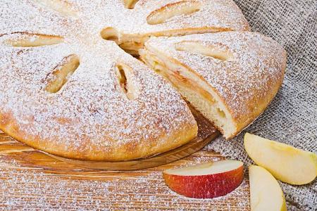 Пирог с яблоками: 15 быстрых и вкусных рецептов (пошагово)