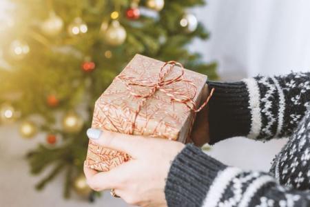 Подарок маме на Новый год своими руками: 10 отличных идей
