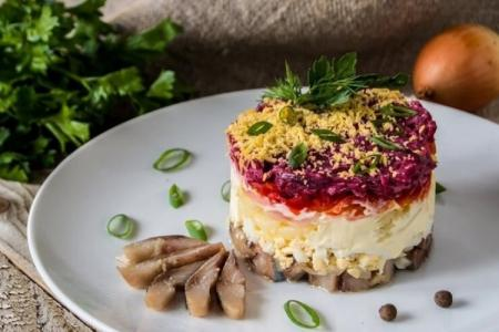 Селедка под шубой: 10 классических рецептов пошагово