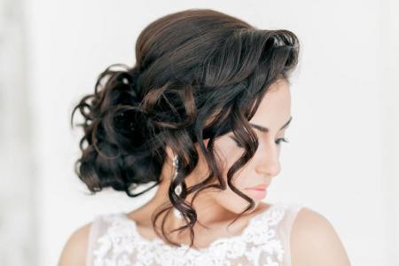 Свадебные прически на длинные волосы: 20 идей