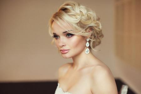 Свадебные прически на короткие волосы: 20 идей