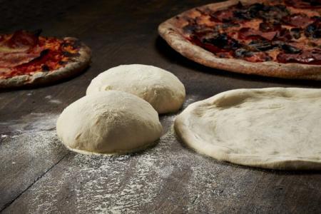 Тесто для пиццы без дрожжей: 10 простых рецептов