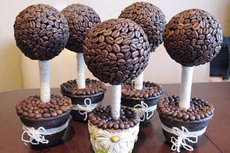 Топиарий из кофейных зерен: 8 красивых идей пошагово (фото)