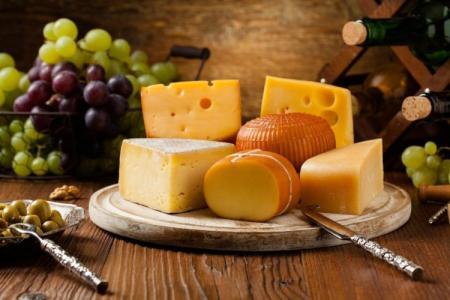 Твердые сорта сыра: названия, фото и описания (список)