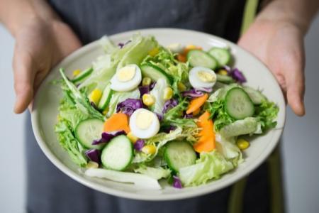 Вкусные и простые салаты на скорую руку: 20 рецептов